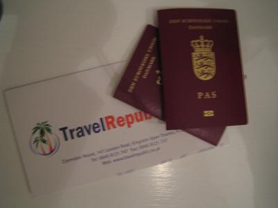 pas og flybilletter